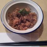ピッキーヌ - ちまき〜(〃∇〃)量は多くないけど 味も染みていてモチモチ感あって美味しいです