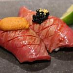 Nikunotakumishoutaian - 和牛の炙り肉寿司キャビアと雲丹~黄金の炙り肉寿司