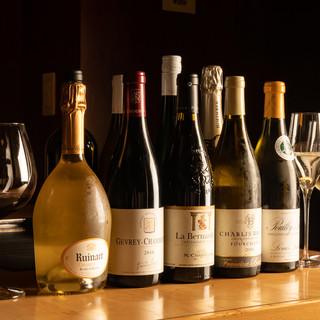 ◎ワインは常時50種類以上!鉄板料理と素晴らしいマリアージュ