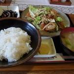 北都茶屋 - 料理写真:野菜炒め定食680円♪