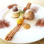 ラピュタ - デザート:モンブランと栗のアイスクリームをカフェソースで