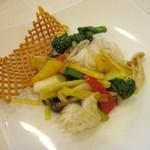 chuugokuryouritouri - 春野菜と甲イカの黄ニラ入り炒め