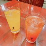 良記 餃子酒場 - コラーゲン入りトマトサワーとマンゴーサワー