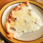 トニーズピザ - 料理写真:たっぷりチーズのピザ