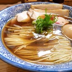 麺処 いし川 - 綺麗な水面