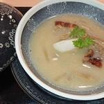 120385837 - 鰻とポリチーニのスープ