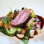 モトイ - イベリコ豚の炭火焼き トリュフソース 様々な調理を施した41種類の野菜とともに