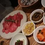jukuseiwagyuuyakinikueijingubi-fu - 熟成肉焼肉 カルビ&ロース