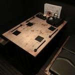 漁平の鍋 - 個室感のある席もあるっす