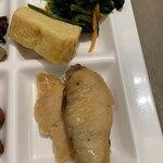 レストラン ラ・ベランダ - メヌケの西京焼きと鮭塩焼き