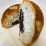 パン工房 サンク - 粒あんとホイップクリーム