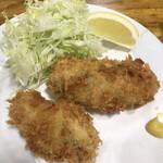 しいはし食堂 - 料理写真:牡蠣フライとまぐろブツ単品1100円。立派なサイズのものが2つ提供されます(^。^)。牡蠣フライ単品だと、1200円で、4個のようです。とても美味しくいただきました(╹◡╹)