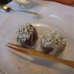 東会芳 - デザート(シュウマイ皮のお饅頭)