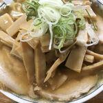森田屋支店 - スープはたっぷり、増したシナチクでほぼ麺が見えない