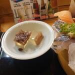 魚心亭 - スペシャルおまかせ丼(甘味)