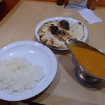 印度 - バターチキンカレー、ナン・ライス食べ放題セット