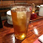 鉄鍋ぎょうざとお酒の店 杏っ子 - ウーロン茶 300円