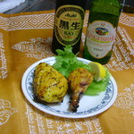 夢屋 - (手前)チキン香味焼 クミンシード・マスタードシードが香るピリ辛タンドリーチキン