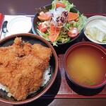 とんかつ政ちゃん - 料理写真:三枚ひれかつ丼+サラダセット