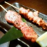 木村屋本店 - 串焼き(牛タン、おっぱい)