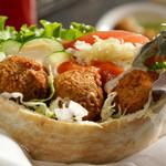 イスラエルカフェ&レストラン ファラフェルガーデン - メイン写真: