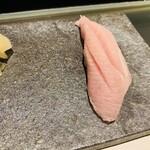 鮨 甚平 - ブリ