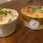 Potato Cream - 白菜と豚肉のマッシュルームソース(左)、海老とキノコのストロガノフ(右)