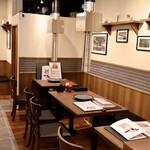 焼肉・韓国料理 KollaBo - テーブル席