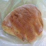 中央林間 パンの家 - クリームパン110円
