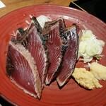 個室 藁焼き 日本酒処 龍馬  - カツオのたたき