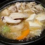 個室 藁焼き 日本酒処 龍馬  - 鶏のゆず胡椒鍋