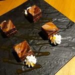 個室 藁焼き 日本酒処 龍馬  - チョコレート系のケーキ