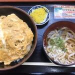 白鳥パーキングエリア(上り線) フードコート・スナックコーナー - かつ丼定食ミニうどん付 (2019/11/25)