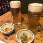魚旬 - 生ビールとお通し〜乾杯!