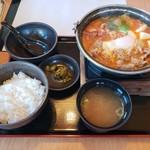 どん亭 - 豚チゲ鍋膳2019.11.25