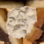 俺のBakery&Cafe 松屋銀座 裏 - 小倉バターのサンドイッチ