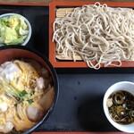あじ半 - 料理写真:親子丼とお蕎麦セット   750円