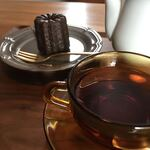 120494622 - カヌレ、紅茶(ストレート)