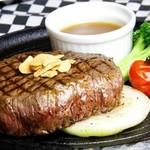 Restaurant & Bar CHARRY'S - 料理写真:国産牛ビーフステーキ (200g)1,380円(300g)2,000円