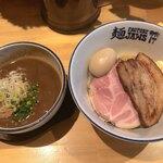 麺ファクトリー ジョーズ - 料理写真:味玉つけ麺