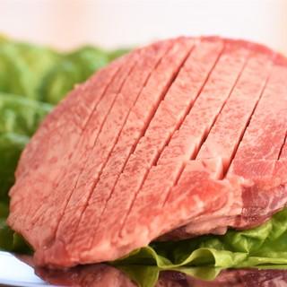 ブランドにこだわらず、最良のお肉を最高のカットでご提供!