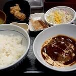 なか卯 - デミグラス唐あげハンバーグ定食(770円税込)