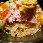 SUSHI TOKYO TEN、 - しゃりはお醤油味ですが薄味です
