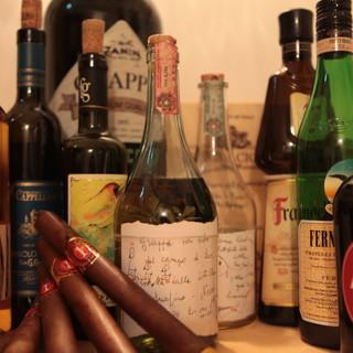 ソムリエ厳選のワイン多数、グラスワインは30種以上御座います