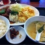 中華厨房 まきの - サービスランチ