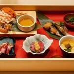 にくにはにくの 肉料理と和食 - ☆桐箱に前菜の宝石箱スタイル (●^o^●)☆