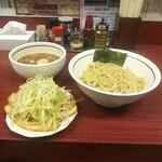 美豚 - 煮魚出汁つけめんの全部(1,360円)