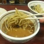美豚 - 麺リフトアップ