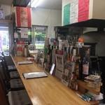 小麦がうまいピザの店 PIZZA PAZZA - 店内