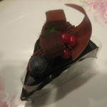 うぐいすベリー - チョコケーキ